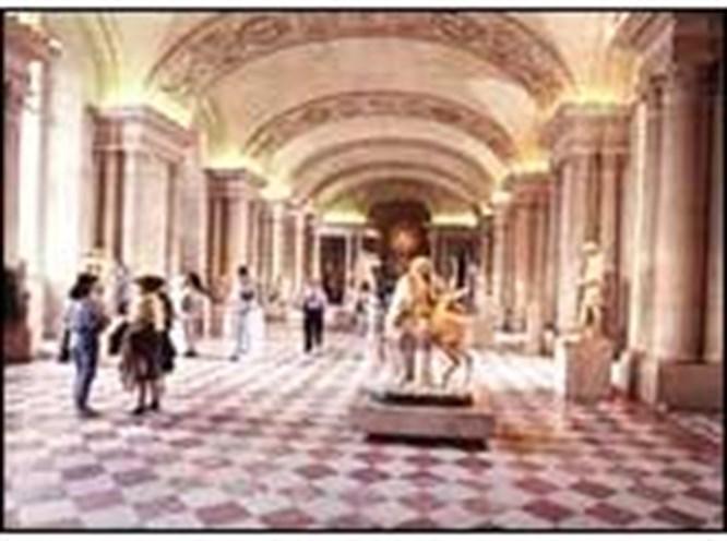 İnternet'te Louvre turu